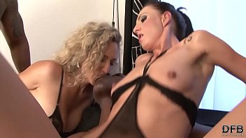 Face fuck, Bbc mom, Mom dp, Bbc dp, Double, Mom cum