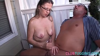 Mommy, Beautiful mom, Wank, Bigtits mom, Beautiful mature, Cfnm handjob