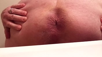 Fat man, Cumming, Small man