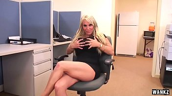 Queen, Holly halston, Office milf, Milf big, Wankz, Holly h