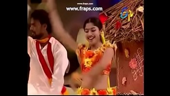 Navel, Hot dance
