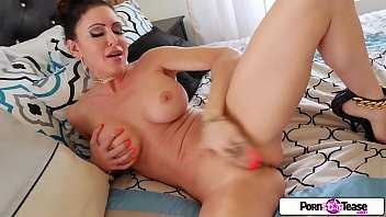 Fingering, Jessica, Pink pussy, Camel, Camel toe, Jessica jaymes