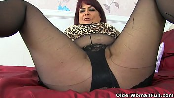 Nylon, Mature mom, English, Nylons, Mature pantyhose, Mom pantyhose
