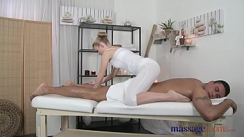 Finger, Scream, Female orgasm, Massive tits, Massage rooms, Massageroom